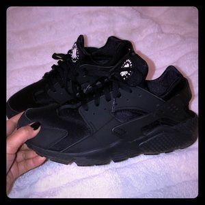 Men's Black Nike Huarache